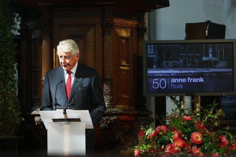 In memoriam Wim Kok