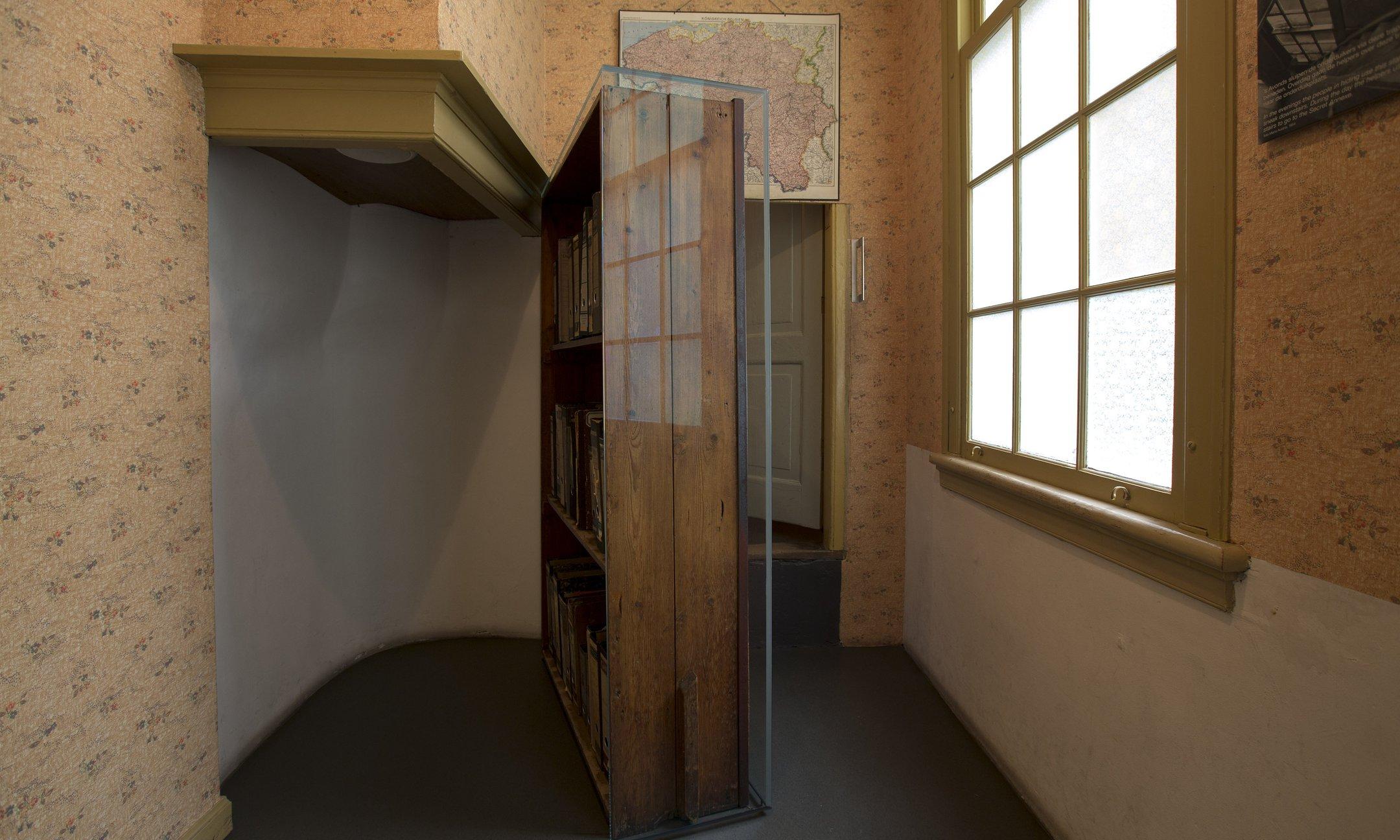 De boekenkast met bescherming
